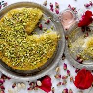 Kunafa: Torta Araba di Pasta Kataifi con Crema al Latte, Pistacchi e Sciroppo all'Acqua di Rose