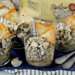 Zuppa di Lenticchie, Fagioli, Orzo e Piselli con Tartufo Bianco e Cialde di Pecorino