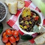 Zuppa di Roveja con Porri e Pomodorini