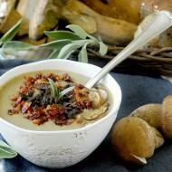 Crema di Patate Rosse e Porcini con Pancetta e Salvia Croccanti