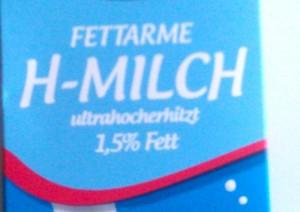 Handelsübliche Milch eignet sich gut um Errdbeerflecken zu entfernen