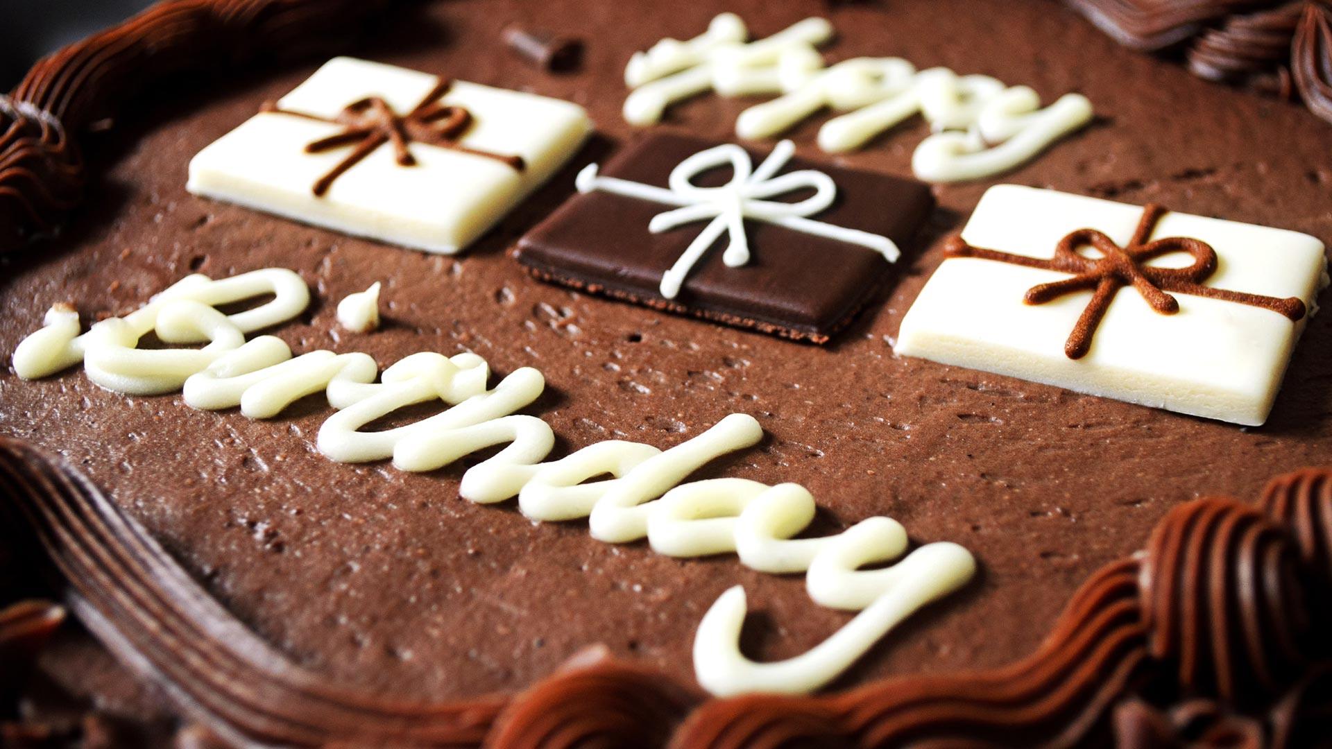 Cute Birthday Cake Wallpaper Gendiswallpapercom