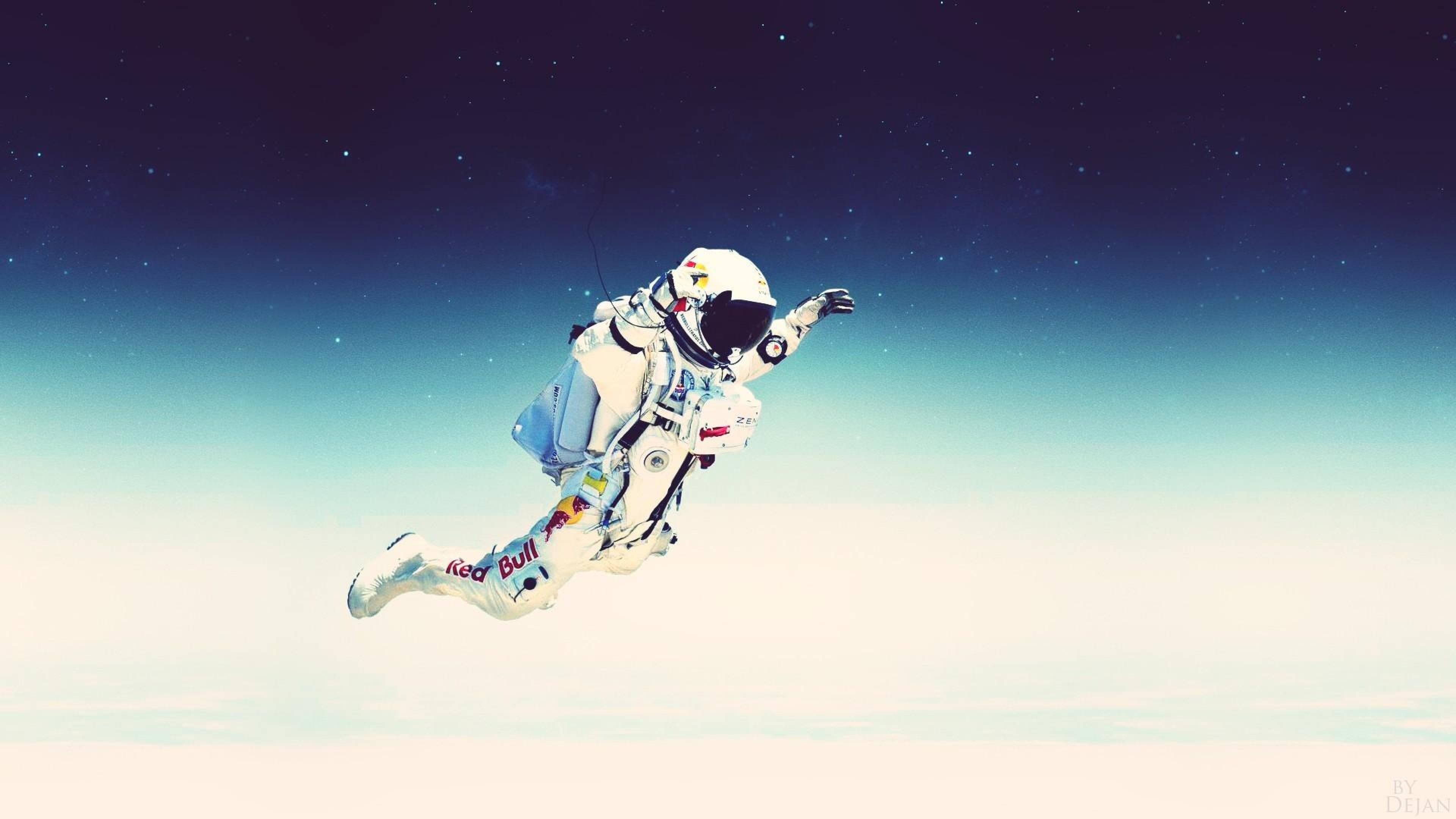 Download Free Astronaut Wallpapers