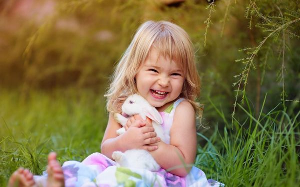 Lovely Baby Girl Desktop Background | PixelsTalk.Net