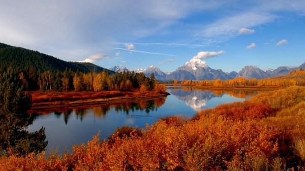 Autumn River HD Wallpaper   PixelsTalk.Net