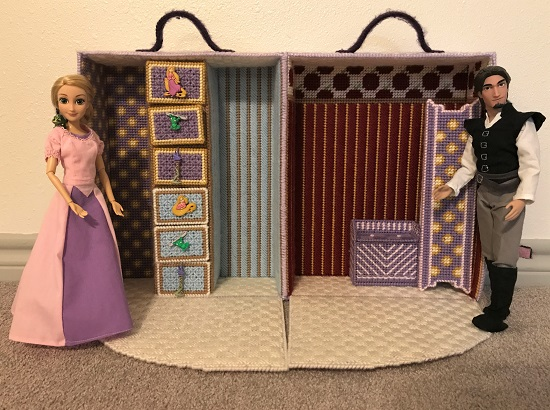 Plastic Canvas Doll Case With Floor Folded Down