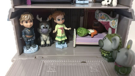 Disney Animators Littles Playset.