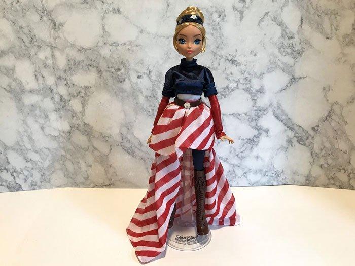 Marvel Fan Girl Doll: Captain America.