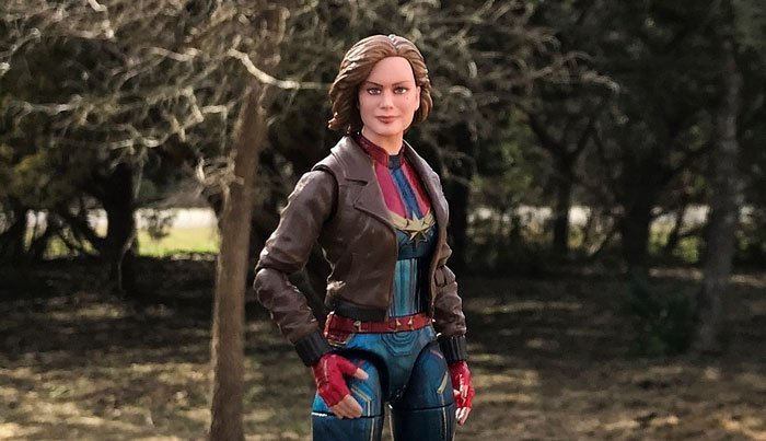 Image of Marvel Legends Captain Marvel.