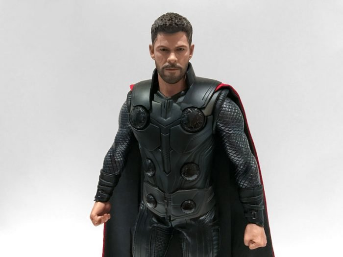 Hot Toys nails the likeness of Thor in his Infinity War look.