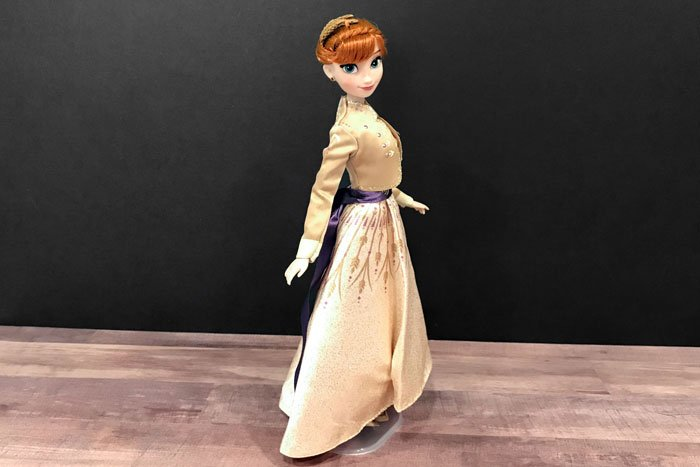Disney Classic Anna doll (prologue outfit).