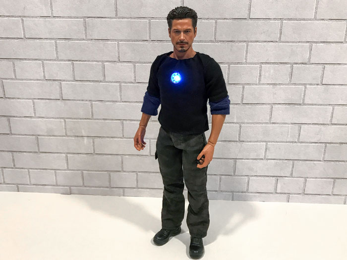 New outfit for Tony Stark,