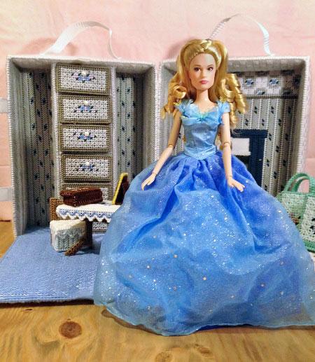 Plastic Canvas Barbie Travel Case designed for Cinderella.
