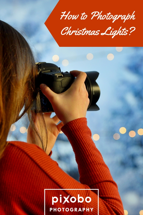 Do you want to take photos of Christmas lights, but you\'re not sure how? Read this article and we will help you create amazing Christmas photos. Learn how to photograph Christmas lights, which camera settings to use, how to set up ISO or shutter speed and much more. We\'re sure that our 10 helpful Christmas tips will help you to take stunning Christmas light photos. #christmas #christmasphoto #christmasphotoideas #christmaslights