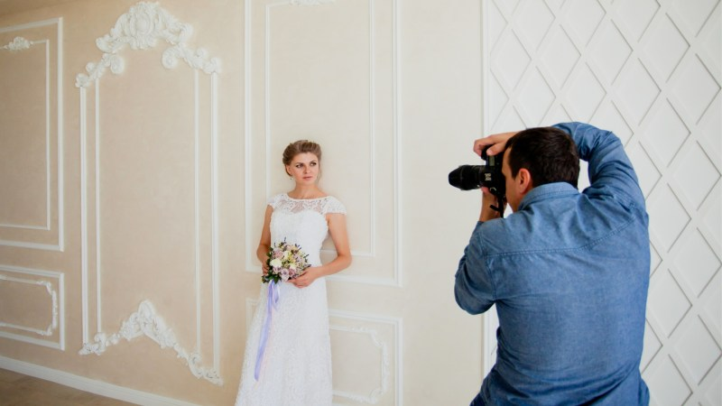 What Should a Male Photographer Wear to a Wedding