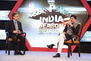 3--speaking-at-cnbc-awaaz---the-masterprenuer-india-finale-