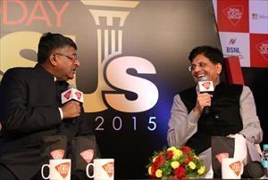 9--speaking-at-india-today-psu-awards-2015-(1)