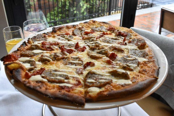 novara meatball pizza