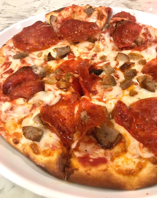 davios pepperoni sausage pizza