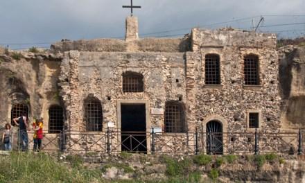 Chiesa di Piedigrotta come la fotografano gli altri su Instagram