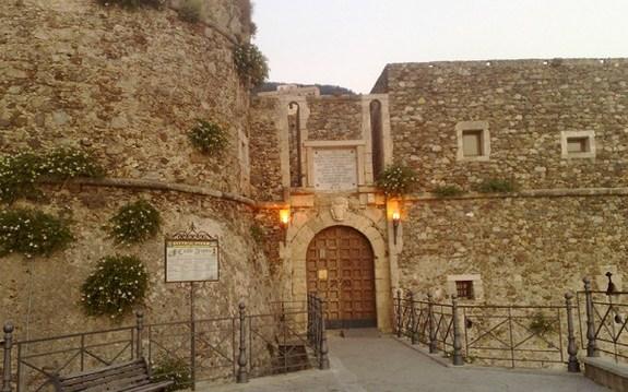 Pizzo 1696. Il Castello Aragonese