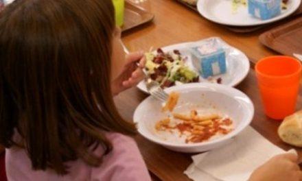 Disagi alla mensa di Pizzo, il sindaco ascolta le mamme: niente panini per i bambini