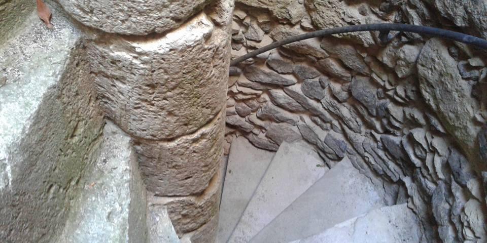 Castello,il fascino della scala gotica