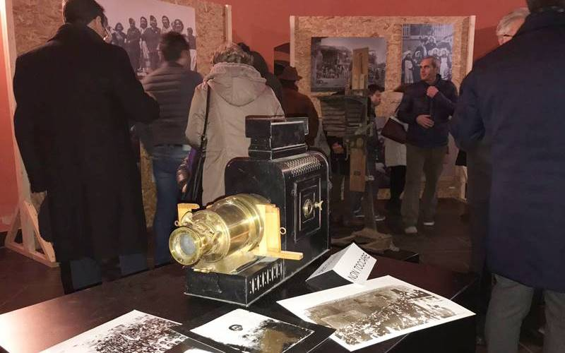 """Un viaggio lungo un secolo nella storia e nella memoria: inaugurata la mostra """"Vibo in scena"""" (VIDEO)"""
