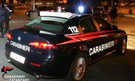 Rapina ad un benzinaio nel Vibonese, tre malviventi rubano il borsello con l'incasso e fuggono via