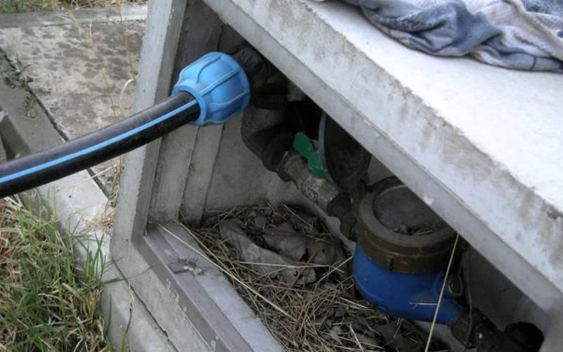 Allaccio abusivo alla rete idrica per irrigare orto, arrestato anziano di Maierato