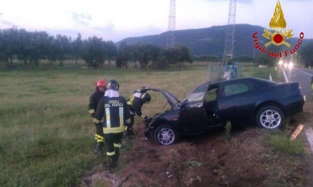 Tremendo incidente stradale all'alba sulla Statale 18 a Pizzo, due feriti (FOTO)