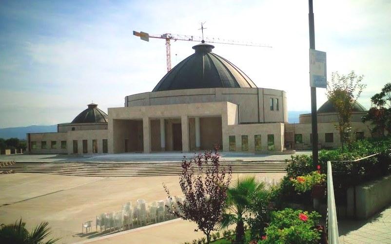 Scontro diocesi-fondazione di Natuzza, a Mileto riprende il dialogo tra le parti