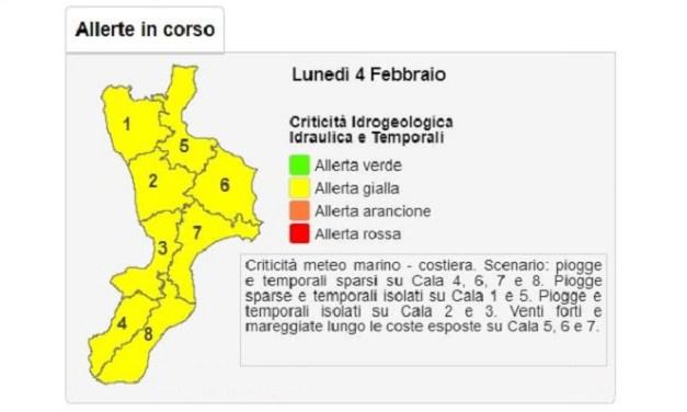 Meteo Calabria, lunedì allerta gialla: previsti temporali e forti venti