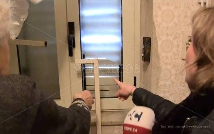«Dacci i soldi o ti ammazziamo», a Pizzo cresce la paura per le rapine agli anziani – Video