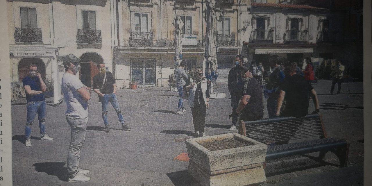 L'incontro dopo il flash mob in piazza. In Comune commercianti e parrucchieri
