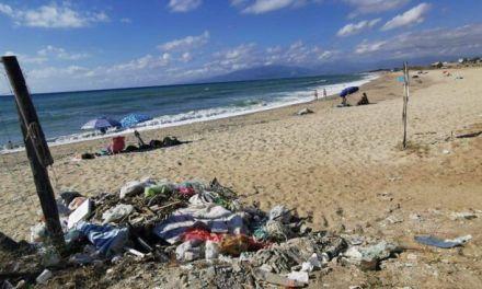 Pizzo, turisti sul piede di guerra sulla spiaggia delle discariche