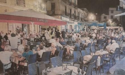 Pizzo. Tavolini in Piazza della Repubblica. Gli esercenti di Pizzo invocano regole