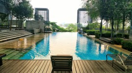 PJ8 Service Suite Infinity Swimming Pool