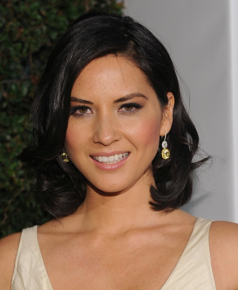 Olivia Munn Height And Weight Stats
