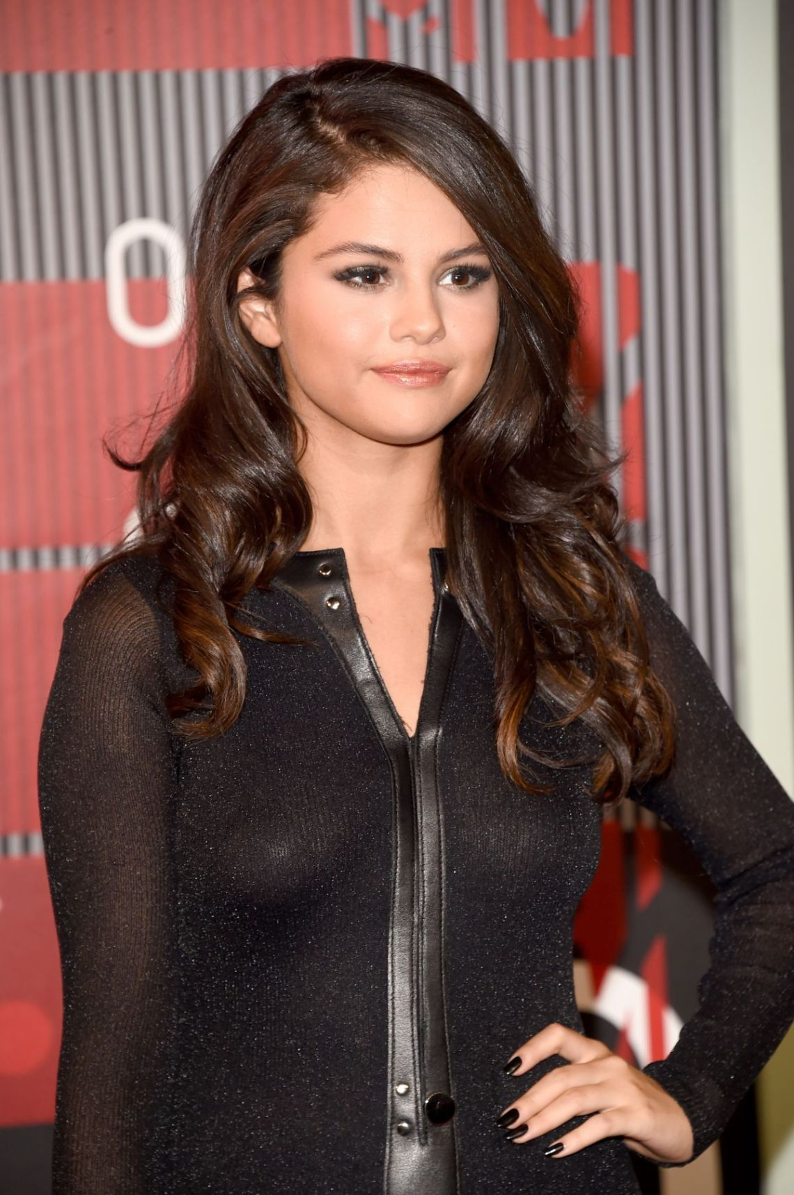 Selena Gomez Height And Weight Stats Pk Baseline How