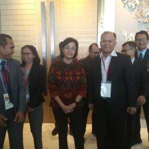 Bersama menteri keuangan di  CTF manila