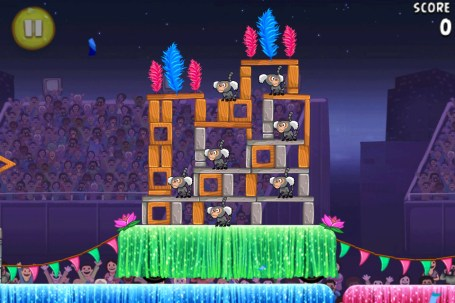 Angry Birds Rio Carnival Upheaval est disponible