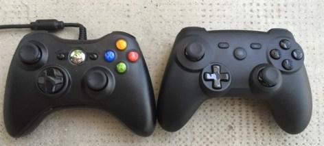 A gauche XBox 360 à droite MI GamePad