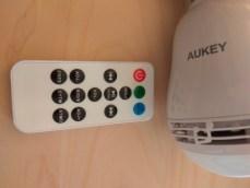 La télécommande permet de gérer la lumière, le volume et le contrôle de la musique !