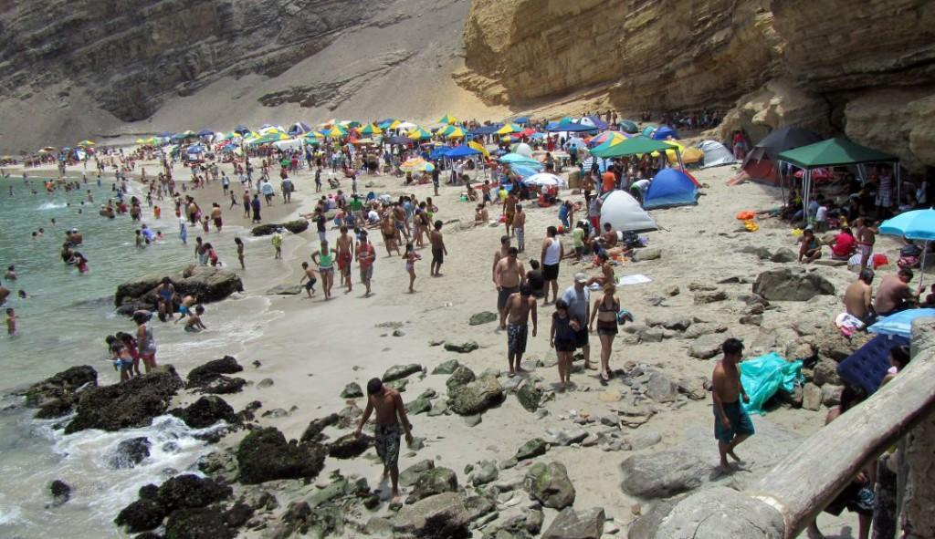 Playa La Mina Paracas