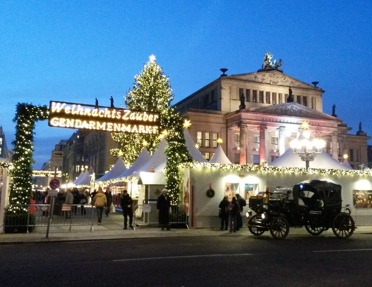 Weihnachtszauber auf dem Gendarmenmarkt