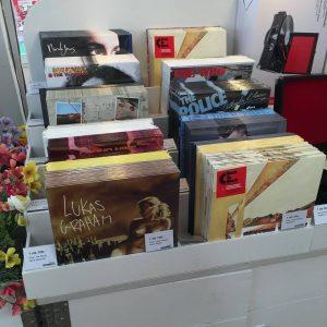 Vinyl i Tiger butikkerne