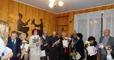 След 50 и 60 години съвместен живот нови пръстени за 5 двойки в Момчиловци