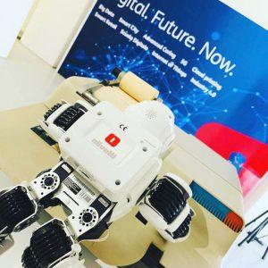 Macchina da scrivere Olivetti con robot