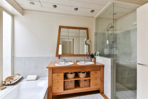 Moderne Badezimmer für Körperpflege und Schönheit